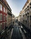 Уехать бы в Лиссабон, гулять и наслаждаться уютными улочками города. А нет, завтра на работу…