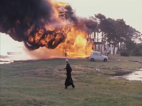 House fire scene from Andrei Tarkovsky's 'The Sacrifice' 1986