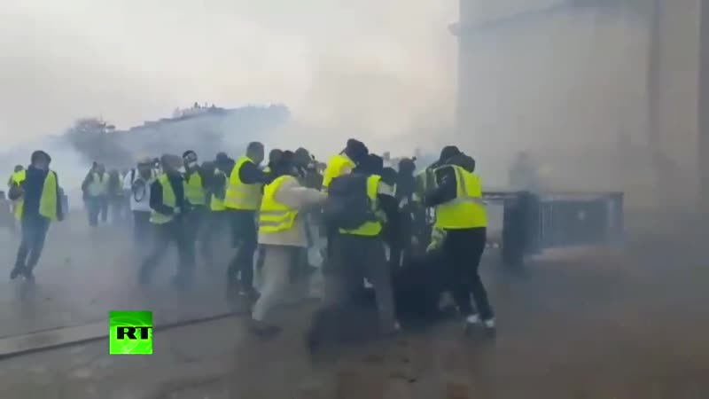 Под наблюдением ритма Mr Bond Fuck the Police Yellow Vest Edition