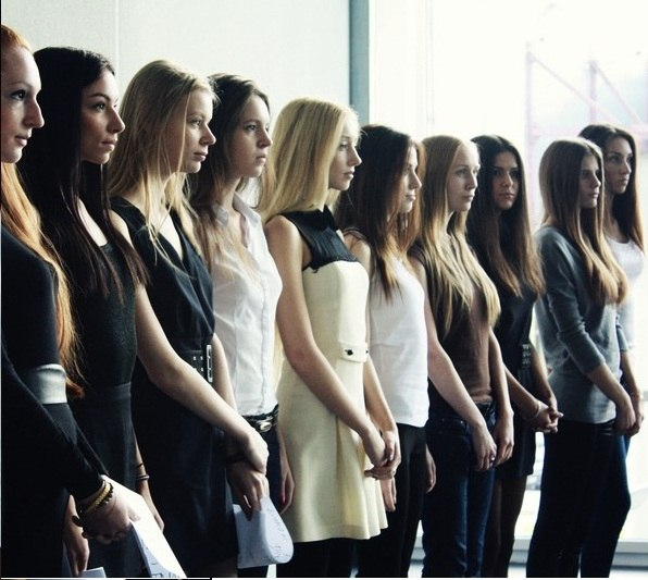 знакомства девушки за границей
