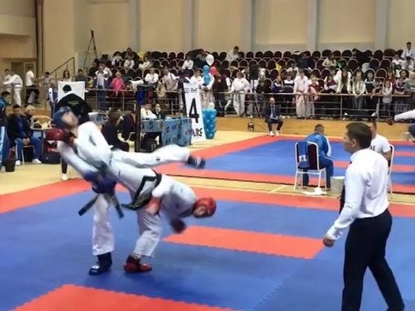Два золота и две бронзы завоевали крымчане на чемпионате России по тхэквондо