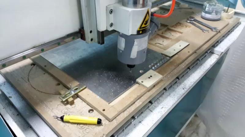 Фрезеруем детали для нового 3D принтера