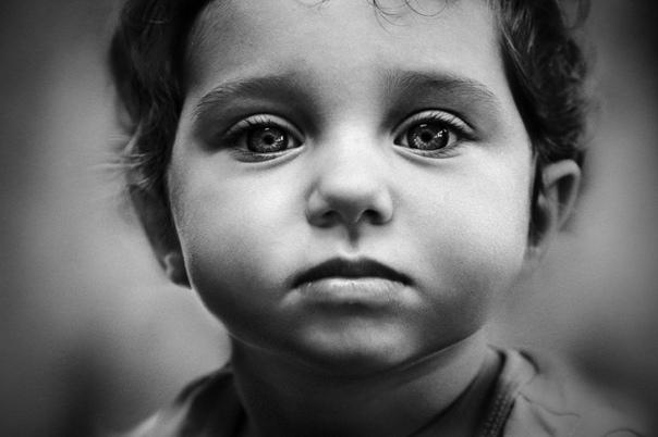 про маленьких взрослых или детская гиперответсвенность в дисфункциональных семьях. сегодня хочется написать о маленьких взрослых - о детях, которым слишком рано пришлось повзрослеть. пришлось - потому что не по возрасту, не по потребностям.