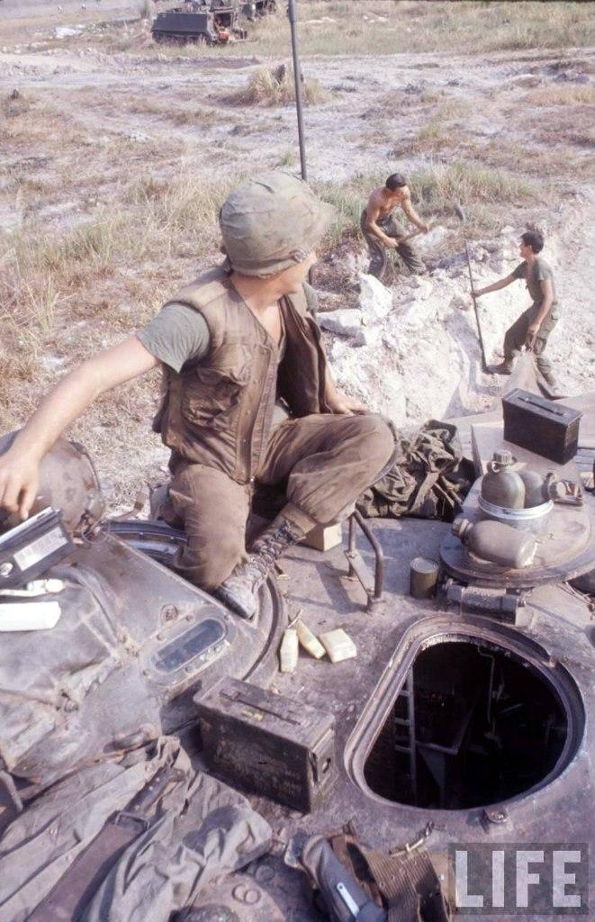guerre du vietnam - Page 2 VgTe7CV2sPk