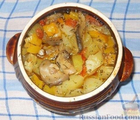 Картофель с мясом и овощами в горшочках рецепт