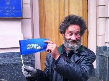 Крымский бизнесмен, потерявший ноги, вышел на Евромайдан - Цензор.НЕТ 2910