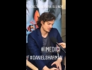 Дэниел за кадром интервью на презентации «Медичи: Повелители Флоренции» во Флоренции, Италия | 10.10.18