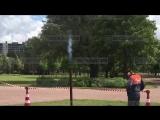 Струя газа, бьющая из-под земли, напугала петербуржцев