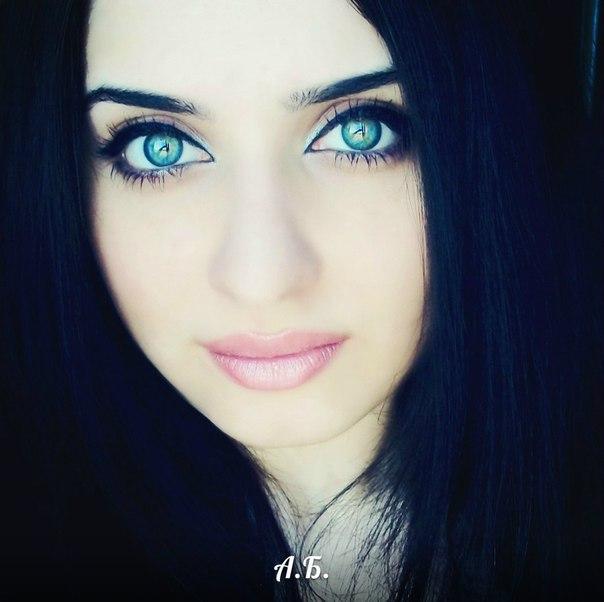 Симпатичная азербайджанка