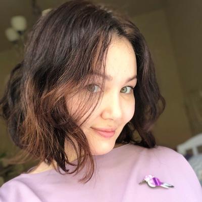 Яна Лебедева