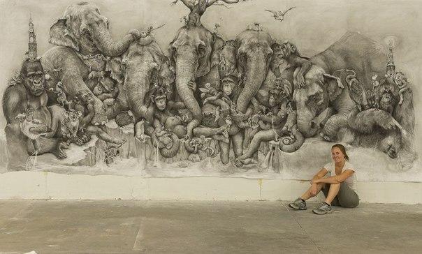 Картина размером 26 кв.м., нарисованная карандашом