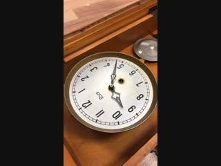 Старинные часы неожиданно