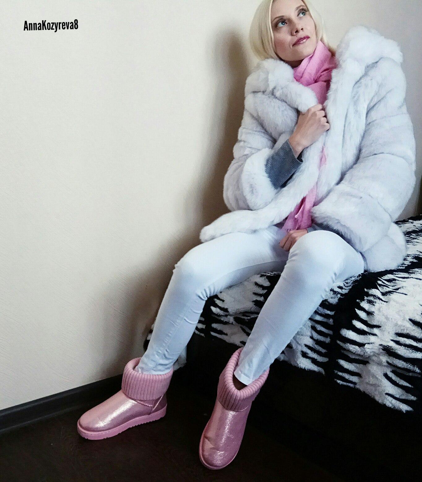 Розовые УГГИ от бренда Hee Grand