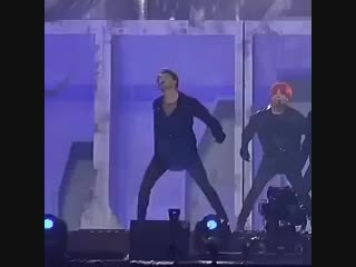 can we all just take a moment to look at how SHARP joons movements are here.mp4