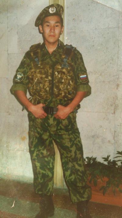 Саян Слепцов, 10 мая , Серов, id203488645