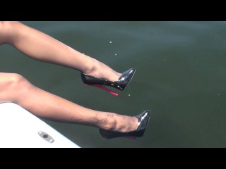 WET PANTYHOSE IN MEGA STILETTO HIGH HEELS BY TAMIA