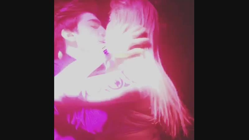 Жарка Пискун и Даника на сцене клуба