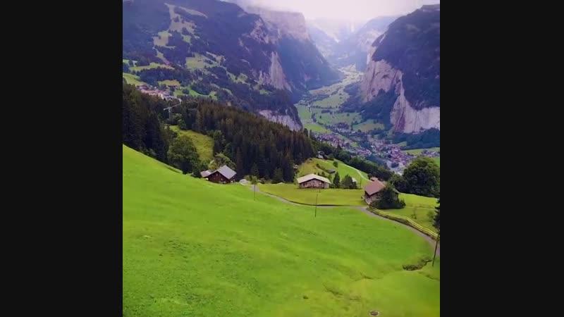 Деревня в швейцарских альпах lthtdyz d idtqwfhcrb[ fkmgf[