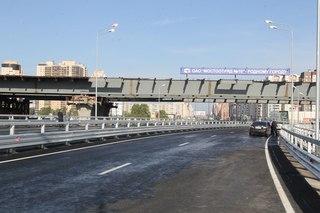 Губернатор Георгий Полтавченко на церемонии открытия сказал, что ко Дню рождения Санкт-Петербурга мостостроители...
