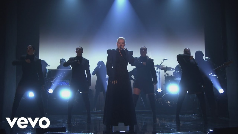 Christina Aguilera - Fall In Line (Live From The Tonight Show Starring Jimmy Fallon)