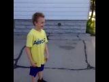 This kids definitely on crack right now\ сумасшедший ребенок попал в голову с мячом баскетбол