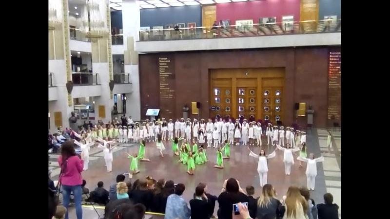 9 июня Поклонная гора. Концерт в честь погибшего оркестра Александрова