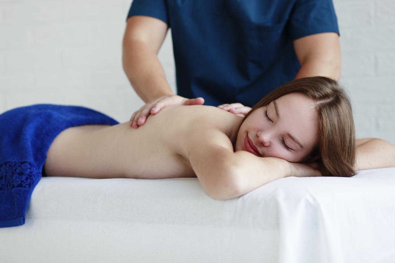 Русский массаж писи, Русский порно массаж. Смотреть бесплатно порно на 18 фотография