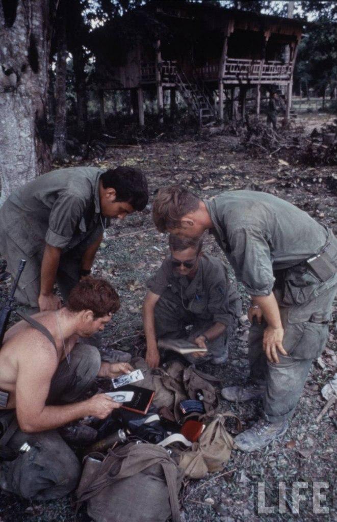 guerre du vietnam - Page 2 JJsTSAyFZ9A