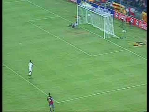 Ronaldinho_Goals_for_Barcelona 01 Ronaldinho Sevilla 03 04