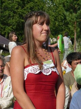 Елену интересовал вопрос слушаю ли я Солнечных Бардов и каким вижу путь развития музыкального творчества в рамках движения Звенящие кедры России