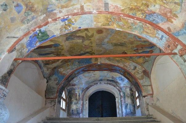 Роспись сеней собора