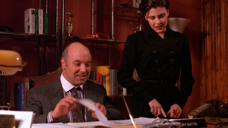 Twin Peaks - Audrey Horne makes sure she gets her job | HD Blu-ray