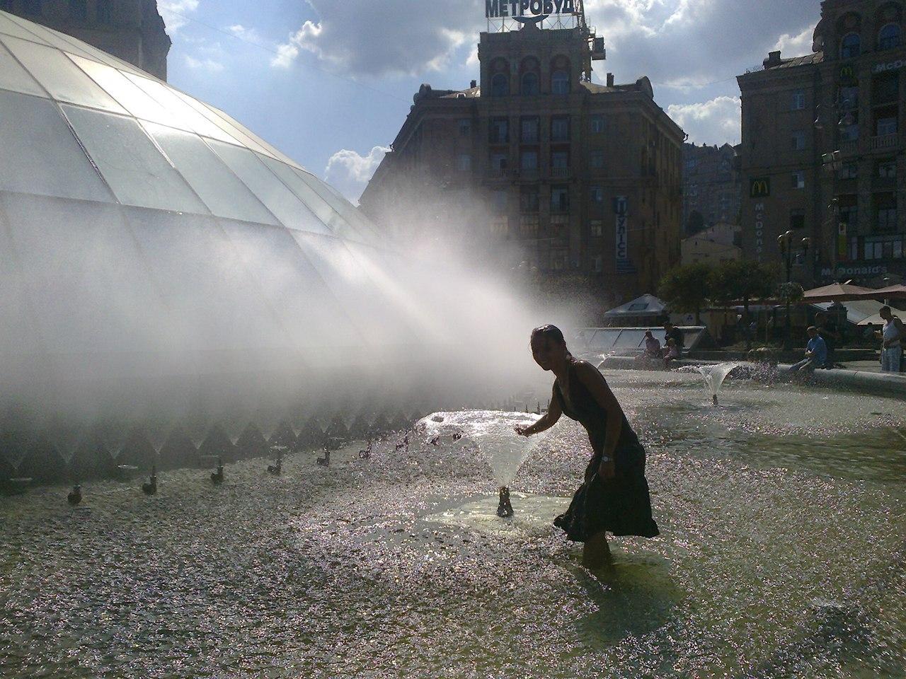 Фонтан на главной площади Киева