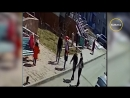Девятиклассницу избили на глазах у детей
