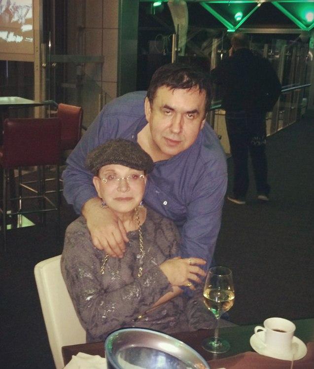 Изумительный отлуп от Максаковой получила Юлёк Меньшова в передаче http://cs620330.vk.me/v620330168/2bef/RW09PG8nd8k.jpg