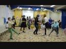 Игра-танец с мамами 8 марта стиляги Передай пластинку