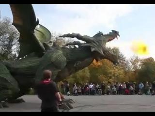 Самый огромный в мире Робот-дракон