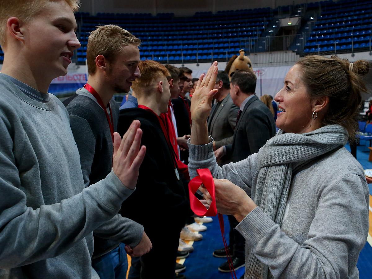 Награждение команд-призеров Первенства Москвы среди юношей и девушек 2002 года рождения
