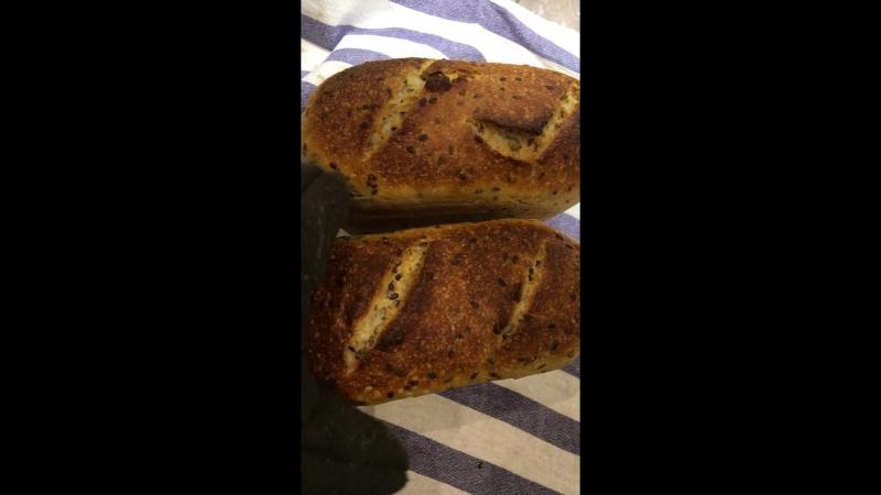 Пшеничный хлеб с семечками