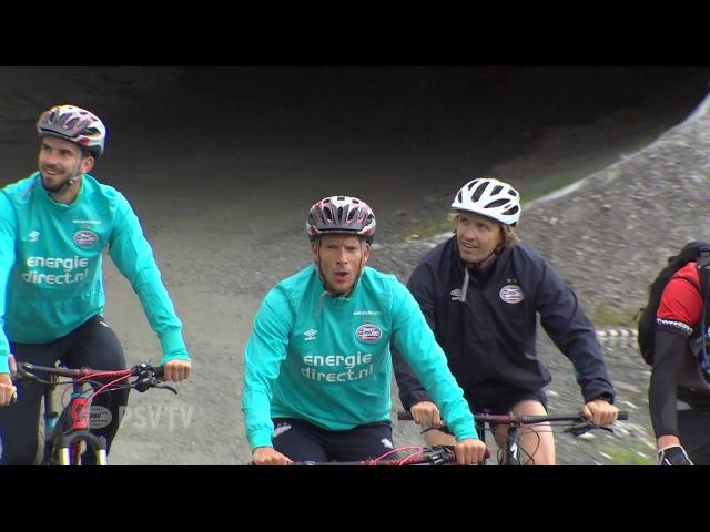 PSV selectie fietst omhoog