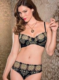 Интернет-магазин CASANOVA предлагает большой выбор элитного женского нижнего белья. Бесплатная доставка по всей