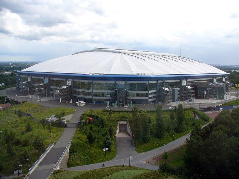 Стадион Фельтинс-Арена (Veltins-Arena). Гельзинкирхен, Германия.