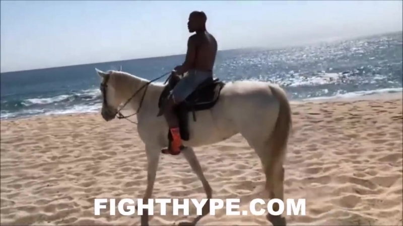 (OOWEE!) FLOYD MAYWEATHER FLOSSES HIS MOST BEAUTIFUL VIEWS LIVING THE LIFE OF TB