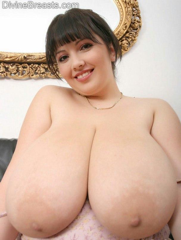 Pretty wifes mounth filled by big knob
