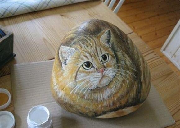 Роспись на камне коты