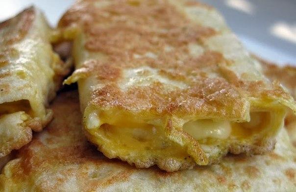 Лаваш с сыром в яйце. Завтрак за 5 минут. Очень быстро и вкусно. Рекомендуем!!! Ингредиенты: Смотреть полностью...