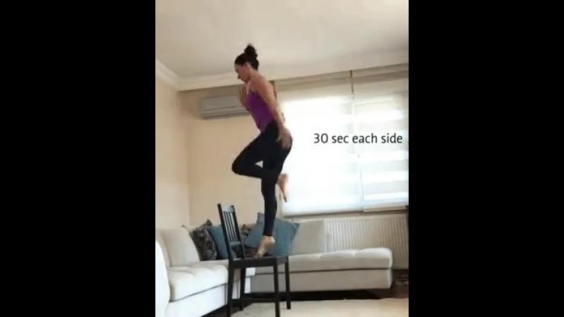 Делаем упражнения на стройные ноги дома!!