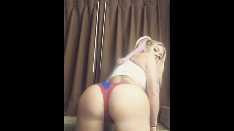 Роскошная жопа, шикарная попа, показала, голая, секси попка