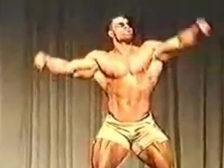 Kevin Levrone guest posing Germany 1993 (online-video-cutter.com)