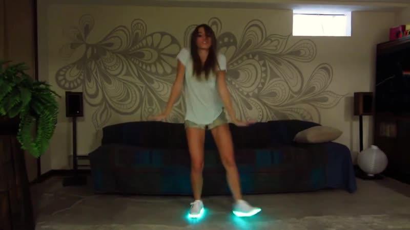 Светящиеся кроссовки – 🔥 © alipab.ru. Видеозапись «Светящиеся кроссовки»: